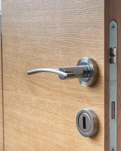 Jak dobierać kolorystykę drzwi do pomieszczeń?